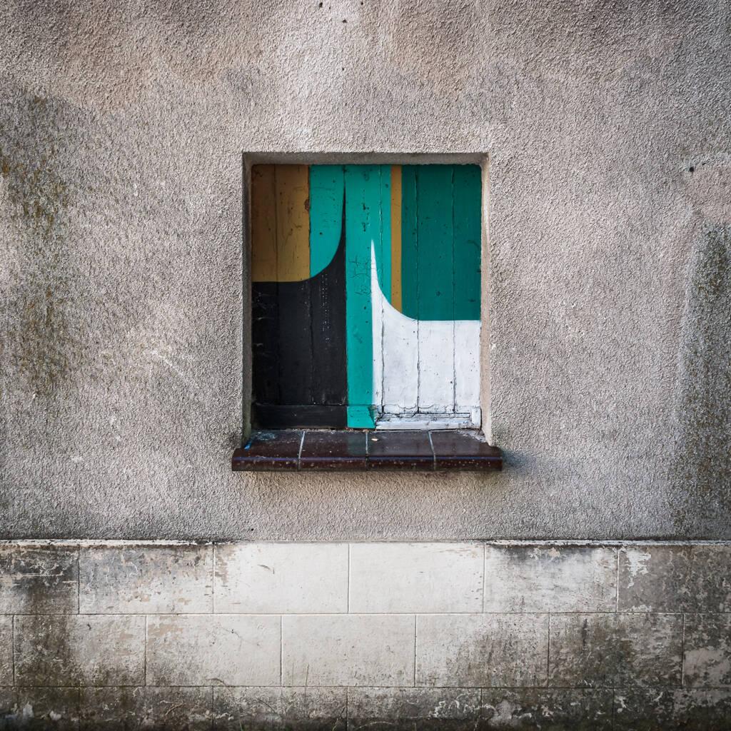 Oeuvre de Spike sur une façade des maisons abandonnée de la rue Malakoff à Luxembourg